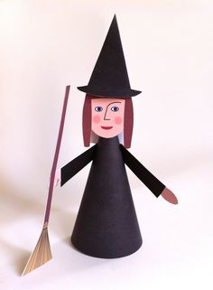 Halloween witch The tutorial is a serie of drawings on the pri. Halloween Decorations For Kids, Easy Halloween Crafts, Halloween Candy, Holidays Halloween, Halloween Costumes For Kids, Scary Halloween, Paper Toys, Paper Crafts, Art For Kids