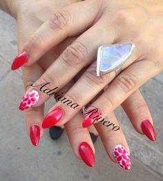 #acrylicnails #stiletto #shortsize #red #flowers #laquerpro #handpainted
