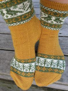 Lankaterapiaa: Harvinaista herkkua - Kanteletar socks by Tiina Kuu
