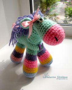 Игрушки Вязаная лошадка амигуруми (Амигуруми)
