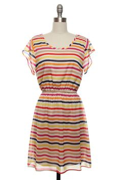 If you know me you know I only where certain patterns...I'm normally a solids kind of girl but I love this dress...Simple!