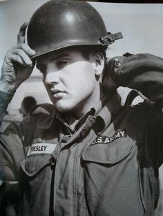 1964 ROUSTABOUT ELVIS PRESLEY KEYRING LLAVERO