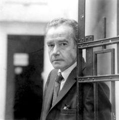 El escritor mexicano Juan Rulfo —autor de «Pedro Páramo» y «El llano en llamas»— falleció el 7 de enero de 1986. Hoy se conmemora su 28 aniversario luctuoso.