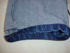 Muito bom Como fazer a barra original da calça jeans (versão Corrigida e Completa) , Como fazer a barra original da calça jeans Este artigo foi publicado por Paulo em 22/06/2010 Aproveitamos e informamos antes de seguir adiante,... , Rogério Wilbert , http://blog.costurebem.net/2012/09/como-fazer-a-barra-original-da-calca-jeans-versao-corrigida-e-completa/ , #ajustederoupa #barradacalça #calçajeans #costurabarra #costurajeans