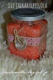 Rauharentola: DIY JOULULAHJA: Jalkakylpysuola Homemade Beauty, Homemade Gifts, Diy Beauty, Diy Gifts, Hobbies And Crafts, Diy And Crafts, Winter Christmas, Christmas Crafts, Homemade Cosmetics