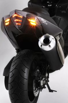 Tmax 530  BCD brand new stop light and indicators