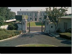 The beverly hillbillie 39 s with truck hillbilly bel air and mansion for Beverly hillbillies swimming pool