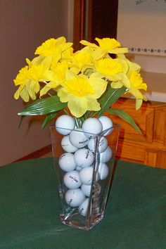 Image detail for -The final touch will be a simple spring flower arrangement on the cake ...