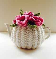 Pink Roses - Floral Tea Cosy in Pure Wool - Ivory & Pink - Size Medium - fits cup teapots Tea Cosy Knitting Pattern, Tea Cosy Pattern, Knitting Patterns, Crochet Patterns, Scarf Patterns, Knitting Tutorials, Crochet Cozy, Crochet Motifs, Crochet Crafts