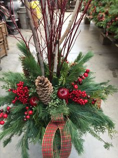 Outdoor Christmas Planters, Christmas Urns, Christmas Greenery, Christmas Flowers, Outdoor Christmas Decorations, Christmas Centerpieces, Christmas Projects, Christmas Holidays, Christmas Wreaths