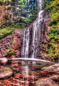 Penyarian Waterfall. Photo by Andri Jangkoeng. Source Flickr.com