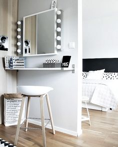 Find the beautiful makeup room ideas, designs & inspiration to match your style. Browse through images of makeup room & vanity mirror to create your perfect home. Bedroom Decor, Diy Sofa Table, Closet Bedroom, Interior, Room Design, Room Decor, Home Decor, Diy Sofa, Room Inspiration