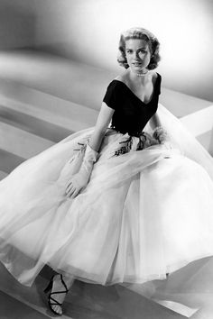 The golden age of Hollywood: costumes by Edith Head for Grace Kelly