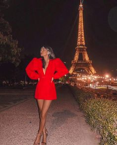 57 Amazing Valentine Dress Ideas For Romantic Dinner dinner dress 57 Amazing Valentine Dress Ideas For Romantic Dinner Classy Dress, Classy Outfits, Cute Outfits, Red Homecoming Dresses, Look Girl, Dress Link, Look Fashion, Ideias Fashion, Short Dresses