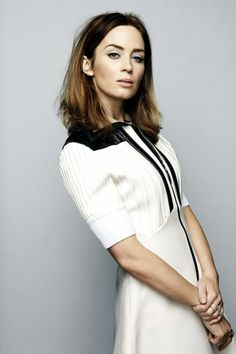 emily blunt whyte R