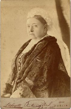A cabinet card of Queen Victoria by Irish photographer James (Lauder) Lafayette. The Card has been signed by Queen Victoria and is dated Feb. (which would have been the anniversary of her wedding to Prince Albert, had he lived) Queen Victoria Family, Queen Victoria Prince Albert, Victoria And Albert, Princess Victoria, Victoria British, Reine Victoria, Victoria Reign, Royal Queen, King Queen