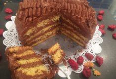 Κέικ γεμιστό με πραλίνα-featured_image Greek Desserts, Greek Recipes, Desert Recipes, Brownie Cake, Food Categories, Cupcake Cookies, Cupcakes, Deserts, Brunch