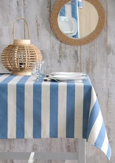 Stof - Nappe enduite à rayures RAY-QUEBEC - 90% Coton 10% Polyester Al Fresco Dining, Outdoor Furniture, Outdoor Decor, Polyester, Hui, Home Decor, Couture, Carnival, Navy Stripes