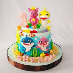 Shark Birthday Cakes, Bubble Birthday, 2 Birthday Cake, Boys 1st Birthday Party Ideas, Monster Birthday Parties, Baby Girl 1st Birthday, Fete Vincent, Shark Party Decorations, Birthday Cake With Photo