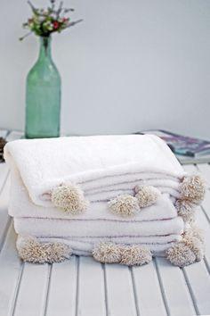 Christmas Gift,Handloomed Blanket,PomPom Blanket Throw,Cozy Blanket,Cream Soft Blanket,Handmade,Twin blanket,Bed throw,Turkish throw by IKIKIZ on Etsy