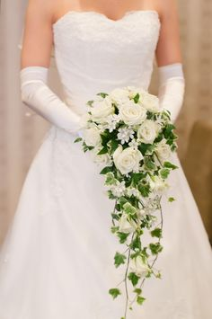 Cascading Bouquet of White Roses and Ivy