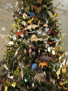 2012 origami tree / american museum of natural history Origami Usa, Origami Tree, Christmas Home, Christmas Trees, Natural History, Favorite Holiday, Dinosaurs, Museum, Seasons