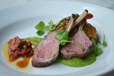 Lamb cutlets with a lamb shoulder pie, pea puree ad mint gastrique - Picture of 1918 Bistro and Grill, Tanunda - TripAdvisor