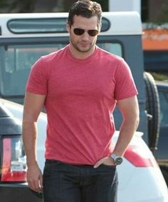 Gotta throw in the red T-shirt 😍. #henrycavill#henry#cavill#henners #hotguy#bvs#batmanvsuperman #dawnofjustice #justiceleague #manofsteel #superman #clarkkent #manfromuncle #napoleonsolo #sandcastle #stopitman