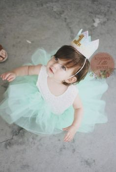 Birthday Girl Satin Sash Badge Gold Crown Girls Party Fancy Dress Green