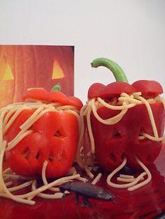Hoje partilho algumas ideias para comida e apresentaçao de comida para uma refeiçao do Dia das Bruxas.                     Divirtam-se!