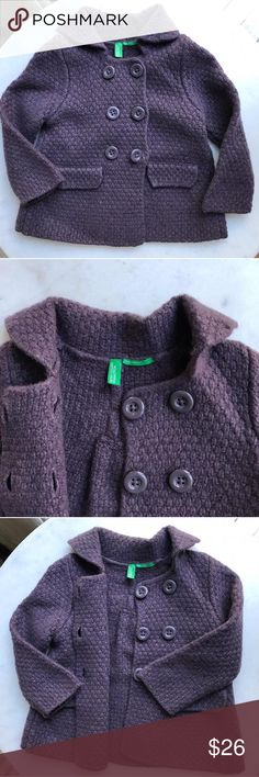 Wool knitted jacket by Benetton Wool knitted jacket. Openable buttons in front. Two cute buttons detail in the back. 80% wool 20% nylon. Size: 12-18M (82cm) Benetton (United Colors of Benetton) Dresses