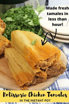 instant pot chicken recipes Use the Instant Pot and store bought Rotisserie Chicken to make fresh made from scratch Rotisserie Chicken Tamales for the holidays! Authentic Mexican Recipes, Mexican Food Recipes, Shrimp Recipes, Salmon Recipes, Dessert Recipes, Pork Tamales, Chicken Tamales, Sweet Tamales, Pozole