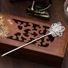 Cute Jewelry, Hair Jewelry, Jewelry Accessories, Chinese Hairpin, Ancient Jewelry, Fantasy Jewelry, Hair Sticks, Ring Verlobung, Hair Ornaments