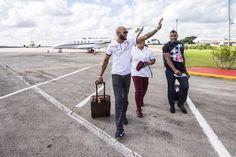 Puig y Abreu al frente de peloteros profesionales que viajan a Cuba