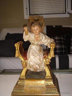 NIÑO JESUS  EN TALLA DE MADERA.