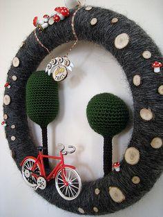 Bike Ride in the Park Yarn Wreath 04