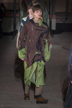 ca1b85eeb7 The complete Dries Van Noten Fall 2018 Menswear fashion show now on Vogue  Runway. Catwalk