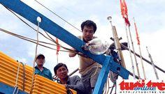 TỔ QUỐC LÂM NGUY: Tàu cá Trung Quốc bao vây, đâm chìm tàu Việt Nam