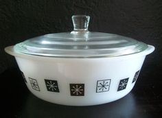 Pyrex Lids, Baking Dishes, Glass Dishes, Vintage Pyrex, One Pot Meals, The Dish, Cooking Timer, Casserole Dishes, Casseroles