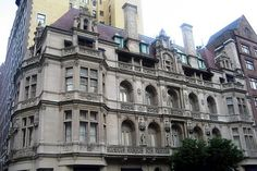 Awesome NY mansion still standing.  The Gertrude Rhinelander Waldo house on Madison Avenue at 72nd Street.  A beautiful, extravagant building.