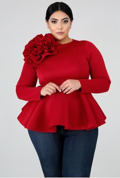 Not Ur Avg Chic Curvy Boutique Deena Dianthus Flare Top This Dianthus flare top features, a stretchy fabric, round neckline long sleeves, flower on the shoulder. Plus Zise, Look Plus, Plus Size Dresses, Plus Size Outfits, Curvy Outfits, Fashion Outfits, Chic And Curvy, Curvy Girl Fashion, Trendy Fashion
