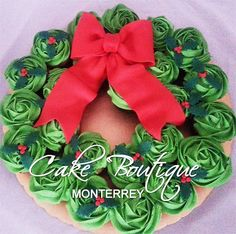 Cupcake Wreath - Cake Boutique Monterrey