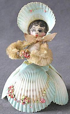 Blue vintage sea shell lady