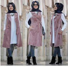 Hijab fashion wear recently became so chic and trendy; Modern Hijab Fashion, Muslim Women Fashion, Islamic Fashion, Abaya Fashion, Fashion Wear, Fashion Outfits, Hijab Style, Hijab Chic, Modele Hijab