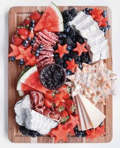 Red, White & Blue Cheese Board for Labor Day 4th Of July Desserts, Fourth Of July Food, 4th Of July Celebration, July 4th, Charcuterie Recipes, Charcuterie And Cheese Board, Cheese Boards, Appetizers For Party, Appetizer Recipes