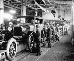 Photo Greeting Card (other products available) - Assembly line workers inside the Ford Motor Company factory at Dearborn, Michigan. (Photo by Hulton Archive/Getty Images) - Image supplied by Fine Art Storehouse - inch Greetings Card made in the UK Thomas Jefferson, Ford Motor Company, Vintage Cars, Antique Cars, Vintage Auto, Vintage Room, Vintage Diy, Line Worker, American Manufacturing