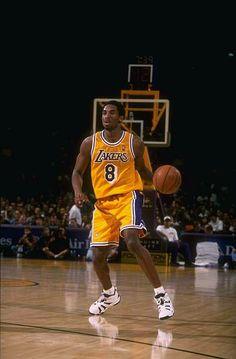 Basketball Art, Basketball Pictures, Basketball Players, Kobe Bryant Family, Kobe Bryant 24, Michael Jordan Pictures, Kobe Bryant Pictures, Michael Jordan Basketball, Kobe Bryant Black Mamba