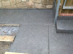 Spray colour on the remaining concrete areas