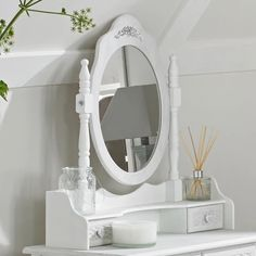 Add some chic style to your dressing room or bedroom today with our Mirrors and accessories, they come in a range of different designs and finishes to ensure you can find the one you love to match your taste and interior. Dressing Table Mirror White, Shabby Chic Dressing Table, Bedroom Dressing Table, Dressing Table With Stool, Dressing Room, Traditional Dressing Tables, Home Bedroom, Traditional Design, Table Stools