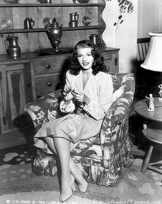 Famous People Knitting - Rita Hayworth